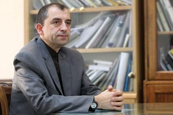 استاد پژوهشگاه زلزله شناسی در مصاحبه با خبرنگاران: هیچ خطری گسل تهران را تهدید نمی کند، زلزله اشتهارد مقدمه لرزه خطرناکی نیست