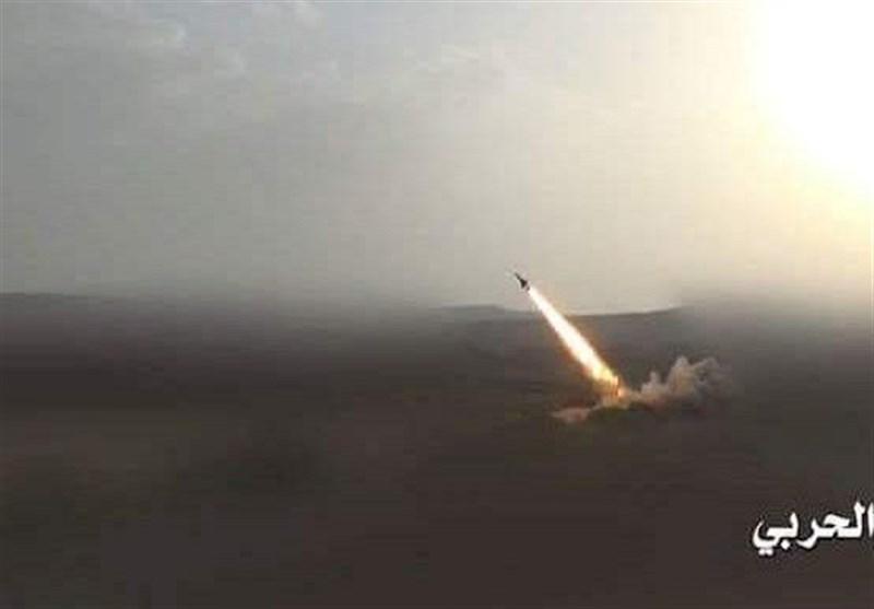 حمله موشکی نیروهای یمنی به مواضع مزدوران عربستان در جیزان