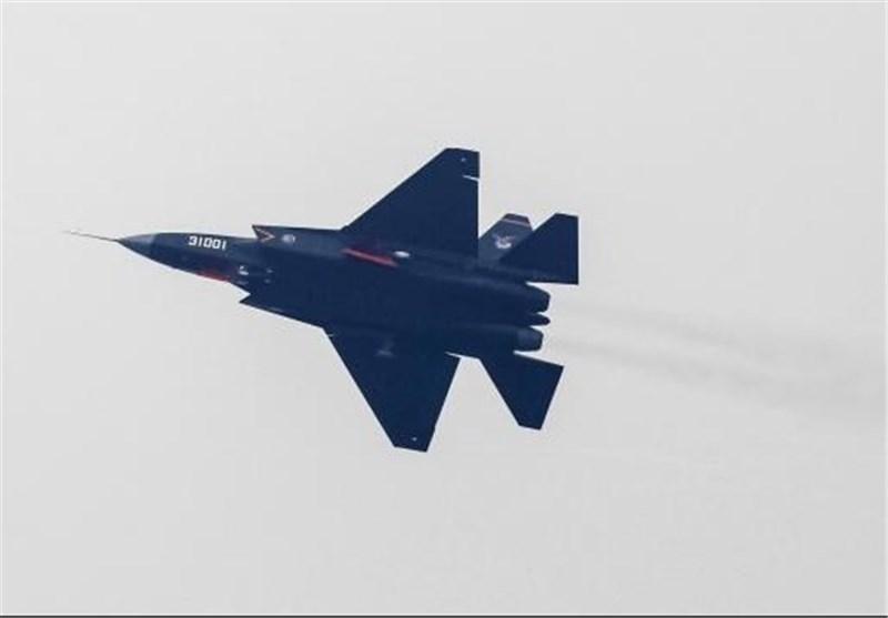 چین از جنگنده رادارگریز جدیدی رونمایی کرد