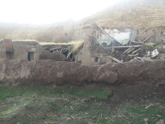سرمای آذربایجان و کندی خدمات رسانی ها امان زلزله زدگان را بریده است