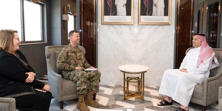 وزیر دفاع قطر با فرمانده فرماندهی مرکزی نیروی هوایی ایالات متحده ملاقات کرد