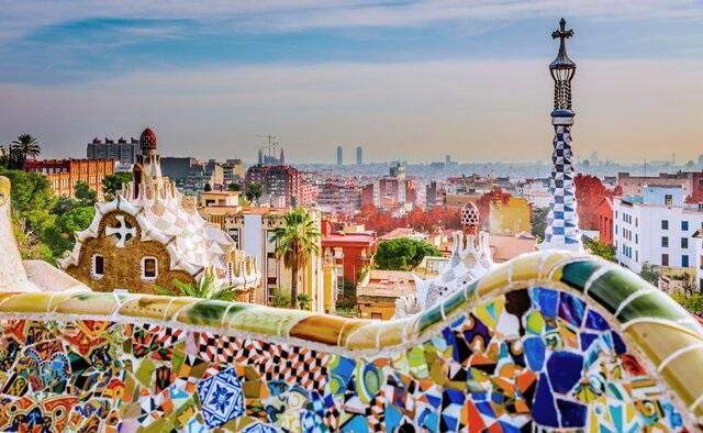 اسپانیا آماده میزبانی از گردشگران خارجی می گردد