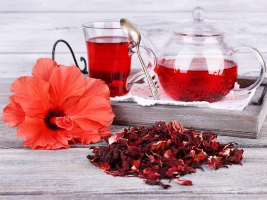 مزایای شگفت انگیز چای هیبیسکوس برای سلامتی