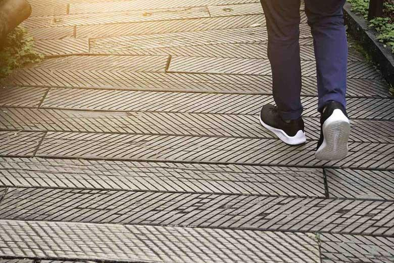 آشنایی با فواید 15 دقیقه پیاده روی روزانه