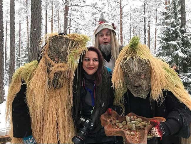 تهمینه میلانی در میان بومیان جنگل های استونی!