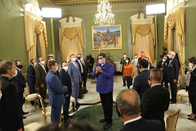 گزارش توییتری مادورو از دیدارش با هیئت پارلمانی ایران