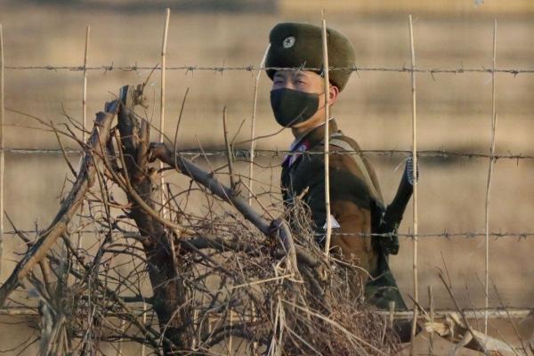 کره شمالی ساخت دیوار و نرده را در مرز با چین تسریع می نماید