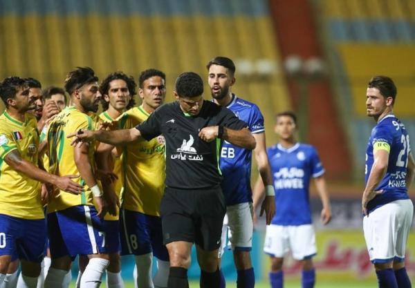 شکایت استقلال از سه داور به فدراسیون فوتبال