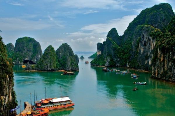 برترین زمان سفر به ویتنام؛ کشور قله های بلند و جزایر سرسبز