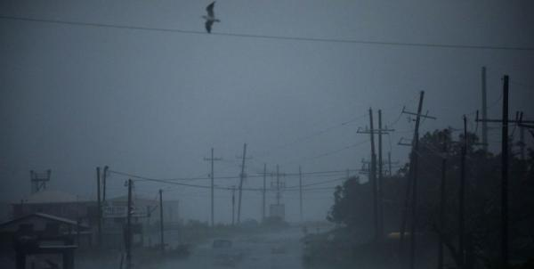 طوفان آیدا به لوئیزیانای آمریکا رسید؛ بیش از 100 هزار نفر در خاموشی به سر می برند