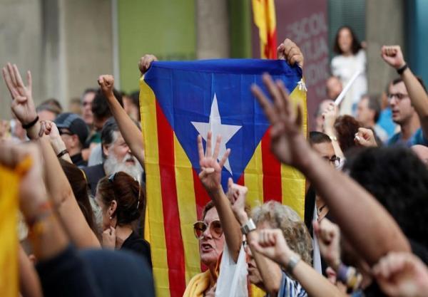 تظاهرات هزاران نفر از استقلال طلبان کاتالان در بارسلون